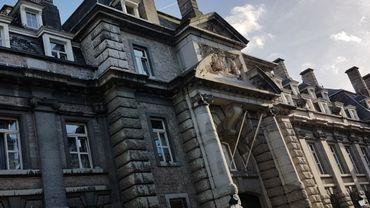 L'ancienne caserne prince Albert, abrite aujourd'hui un club militaire.