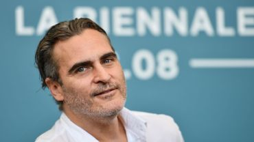 Joaquin Phoenix, le nouveau visage du Joker, à la Mostra