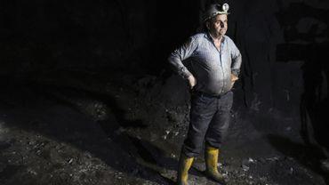 Le mineur Islam Kurti s'indigne que la Serbie dispute au Kosovo la propriété de sa mine, rare atout économique de son pays.