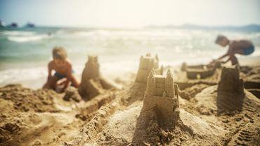 Rester zen avec les enfants sur la plage
