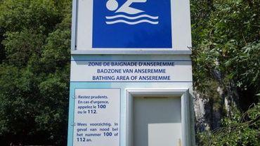 Impossible parfois de savoir si la zone de baignade est interdite surtout si la feuille explicative a été arrachée