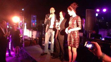 Pauline Burlet accompagnée du producteur du film Sylvain Goldberg pour recevoir à la place de Patrick Ridremont le Magritte du Premier Film 2013