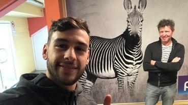 Massimo Bruno se livre au petit jeu du selfie