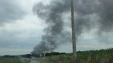 Un dégagement de fumée importante suite à l'incendie d'un hangar à Arquennes