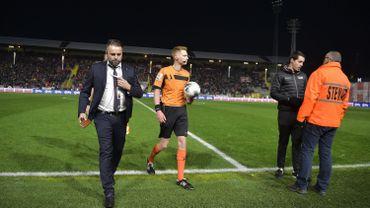 Le match Antwerp - Genk brièvement arrêté à cause d'une panne de lumière