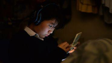Une adolescente utilise une console de jeux vidéo pour échapper à son kidnappeur