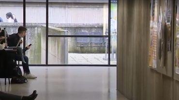 Un élève sur 10 en décrochage scolaire à Bruxelles, le gouvernement renforce son action