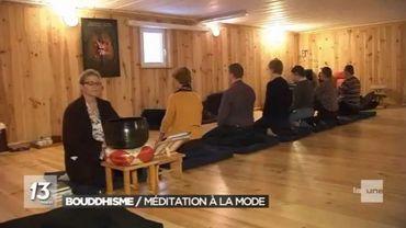 Le bouddhisme attire beaucoup d'adeptes, notamment pour la pratique de la méditation