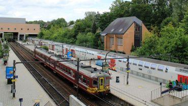 Les quais et les voies seront allongés pour faire entrer des trains plus longs en gare de LLN et pour raccourcir le trajet entre les trains et le parking RER.