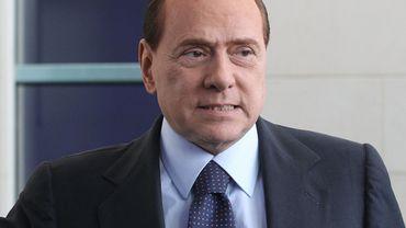 """Silvio Berlusconi hospitalisé """"par précaution"""" pour coronavirus"""