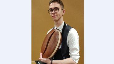 Simon Luxque, le lauréat, est en dernière année à l'école hôtelière IPES à Ath