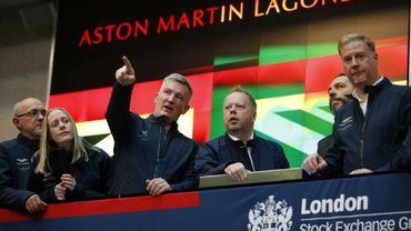 Andy Palmer, le directeur général d'Aston Martin (au centre), en compagnie de son directeur financier, Mark Wilson (à gauche), à la Bourse de Londres, le 3 octobre 2018