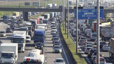 Diminuer variablement la vitesse en fonction du trafic serait plus efficace
