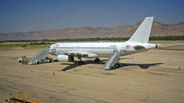 Un avion du Comité international de la Croix-Rouge dans la ville yéménite de Seyoun (Est) le 15 octobre 2020