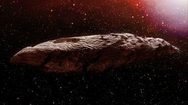 Une illustration 3D de l'objet interstellaire appelée Oumuamua. Initialement considéré comme un astéroïde.
