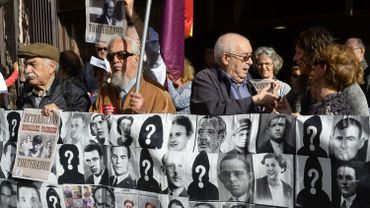 Manifestation, le 10 avril 2014 en faveur de l'extradition d'anciens collaborateurs du général Franco durant la dictature du «caudillo».