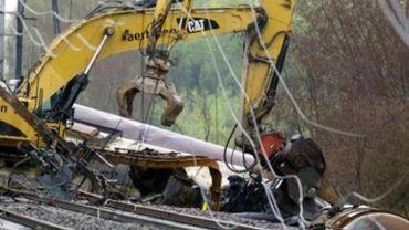Accident de train à Schellebelle - Les coûts du découpage des wagons s'élèvent déjà à 3,5 M