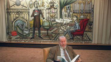 Bernard devant une de ses oeuvres, en 1990