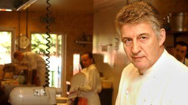 En 2003, Jean-Pierre Bruneau a été chargé de préparé le dîner pour le mariage du Prince Laurent et de la Princesse Claire.