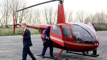 """Reynders demande une enquête sur les """"faux passeports"""" délivrés à la famille royale"""