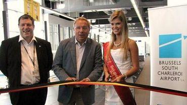 Jean-Jacques Cloquet, le ministre Antoine et Miss Belgique coupent le ruban