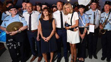 France: Pourquoi Brigitte Macron est-elle apparue le bras en écharpe ?