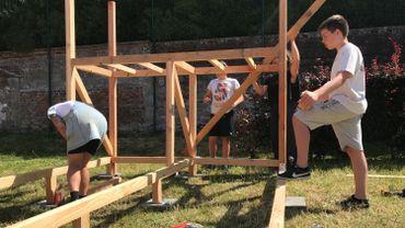 Les jeunes construisent leur skatepark à Tourpes.