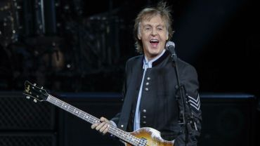 "Paul McCartney chante que ""le capitaine fait la sourde oreille."""