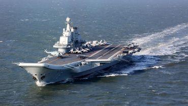 L'unique porte-avions que possède la marine chinoise, le Liaoning, a croisé jeudi matin dans le Détroit de Taïwan.