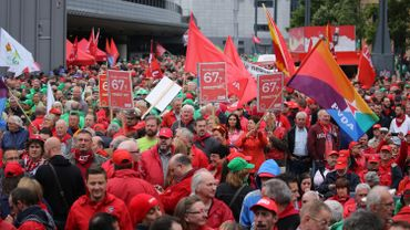 5000 manifestants en front commun contre le plan pensions du gouvernement