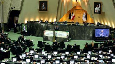 Une centaine de députés iraniens ont déposé une proposition de loi pour demander au gouvernement de faire de l'enrichissement d'uranium à 60% en cas de nouvelles sanctions décidées par les puissances occidentales