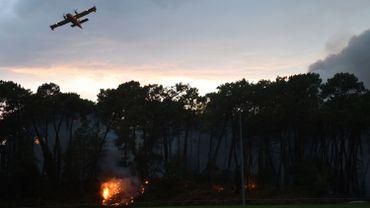 Le feu a mobilisé quelque 300 pompiers, appuyés par quatre Canadair