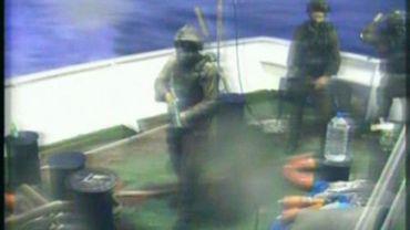 Image d'une télévision turque montrant l'attaque israélienne contre le navire, le 30 mai 2010. 10 personnes ont été tuées.