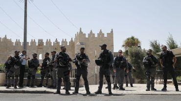 Fusillade dans le Vieux Jérusalem: deux blessés graves, les assaillants abattus, prières annulées