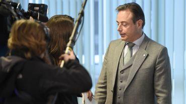 Pacte sur les migrations : réunion du gouvernement cet après-midi, selon Bart De Wever