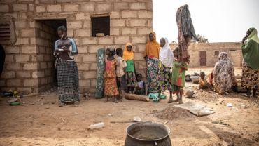 Des femmes dans un camp au Burkina Faso