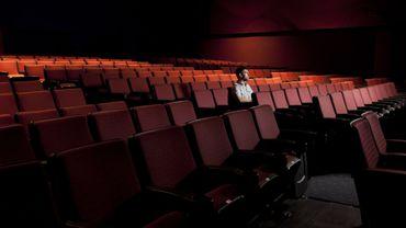 Votre salon se transforme en salle de théâtre grâce à Auvio