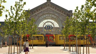 Bagarre entre une trentaine de personnes devant la gare du Sud à Charleroi