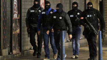 Attentats de Paris: transports interrompus à Saint-Denis suite à l'assaut