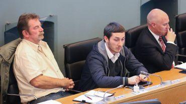 Aux antipodes sur l'échiquier politique, mais installés côte à côte sur les bancs de l'opposition au parlement wallon. De gauche à droite: Frédéric Gillot et Ruddy Warnier (PTB), et André-Pierre Puget (PP)