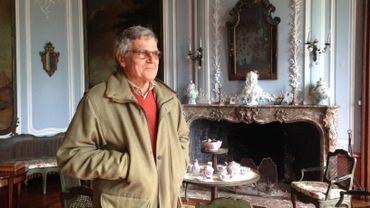 """L'âtre du château d'Attre a servi de décor au film """"les Visiteurs"""".   Baudouin de Meester de Heyndonck, le propriétaire, a accueilli pendant plusieurs jours l'équipe du tournage"""