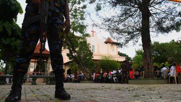 Depuis les attentats, les autorités ont imposé l'état d'urgence et les forces de sécurité ont mené une série de raids dans le pays