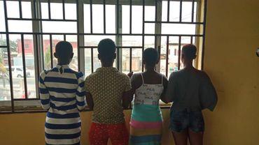 Ces quatre jeunes filles ont entre 14 et 17 ans.