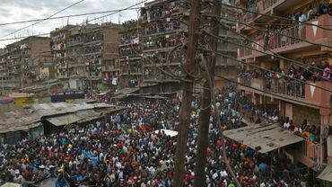 L'opposant Raila Odinga, le 13 août 2017, quitte le bidonville de Mathare à Nairobi