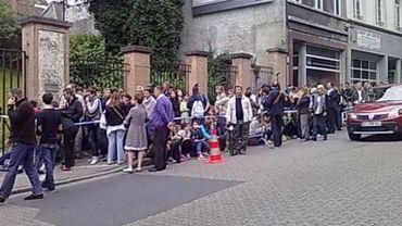 Jeudi dernier, des étudiants français avaient déjà passé la nuit devant l'école Marie Haps, à Bruxelles.