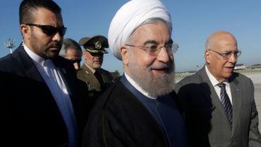 """Présidentielle en Iran: le président sortant Rohani """"devance"""" le conservateur Raissi"""