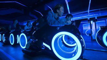 Le roller coaster Tron au Disneyland de Shanghai.