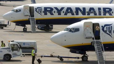 Ryanair met la pression et menace de retirer sept de ses avions basés à Charleroi et deux basés à Zaventem.