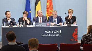 Budget: le gouvernement wallon doit trouver une centaine de millions d'euros