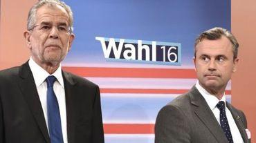 L'ancien dirigeant des Verts Alexander Van der Bellen et le candidat du FPÖ Norbert Hofer le 23 mai 2016 à Vienne